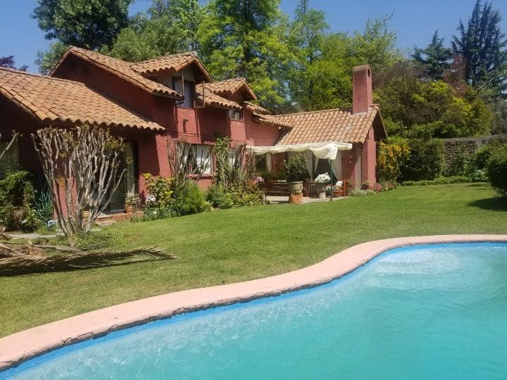 Acogedor estar + dormitorio + baño,  en La Dehesa.