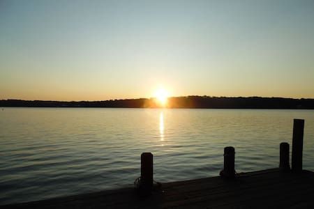 Lake Front  w/ GORGEOUS Sunrises _ Lake Tillery NC