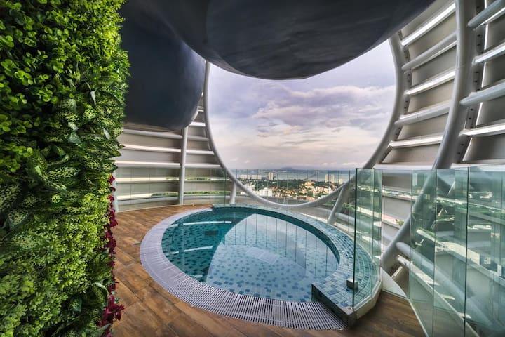 1 Bedroom Superb Pool View Penang Island