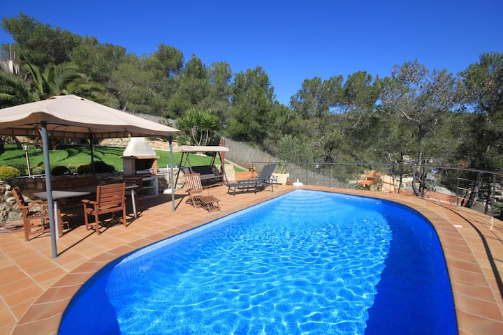 Beautiful Villa near Sitges and Barcelona