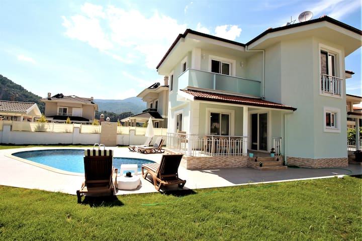 Villa Gizem, clean and spacious, attractive villa