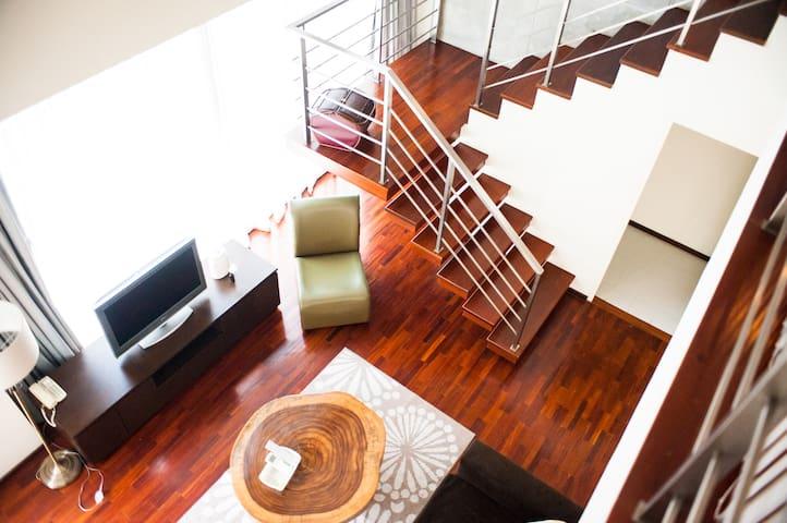 Fullhouse 2 storey home (BTS&MRT Silom)