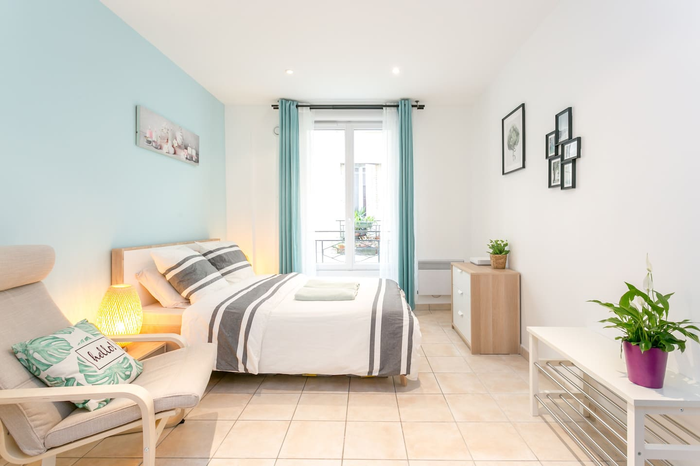 This apartment has 26 m² (280 ft²), located on the FIRST FLOOR, with a double bed (140cm*190cm).