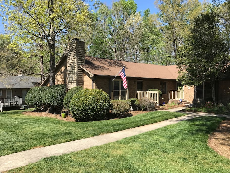 Great south durham location you 39 ll have it all townhouses for rent in durham north for 2 bedroom townhouse in durham nc