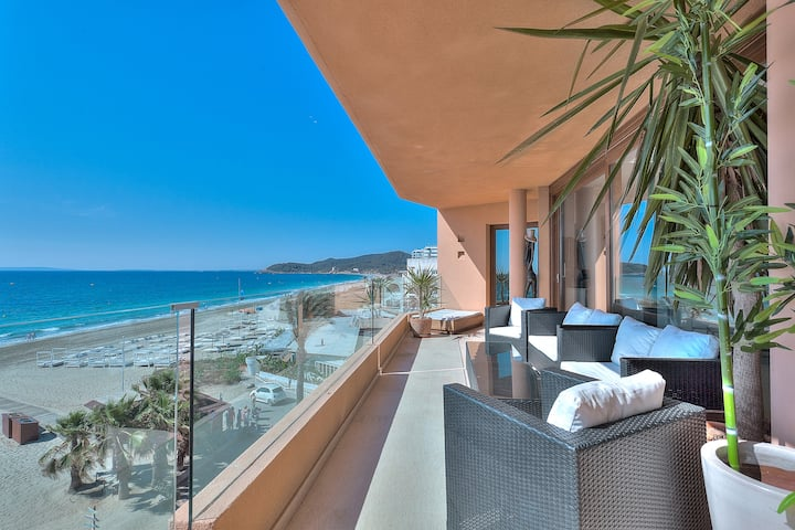 3 bed penthouse with fabulous sea views