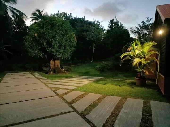 Bel pasaj Martinik beau chalet en bois 85 m²