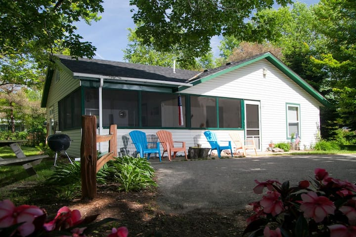 Goshorn Lake Cottage #22