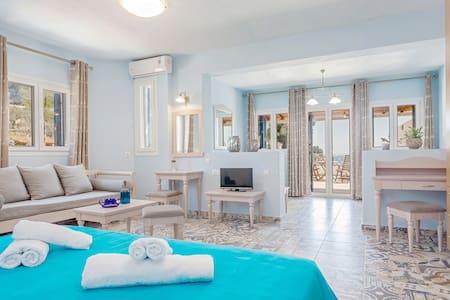 Stafylos Suites - Sporades