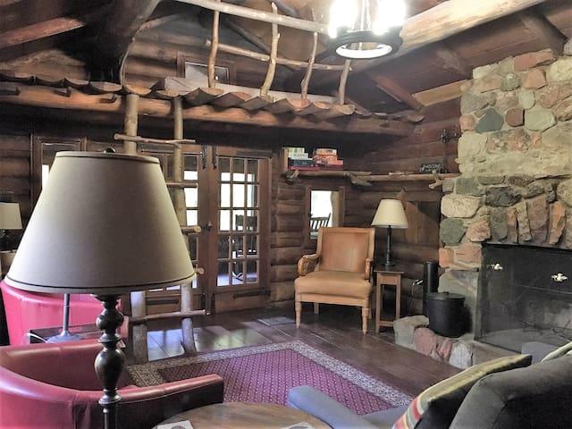 Hunt Hill's Rustic Log Cabin