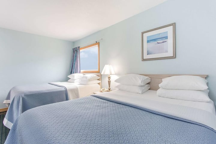 Adorable Quadruple Two Double Beds At Kill Devil Hills