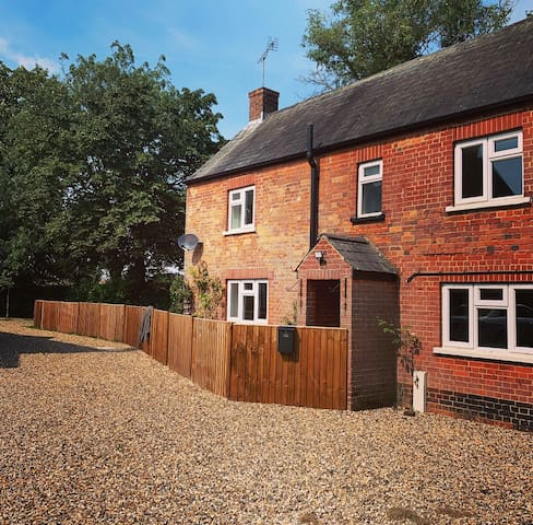 Stunning Cottage, Saxon Street, close to Newmarket