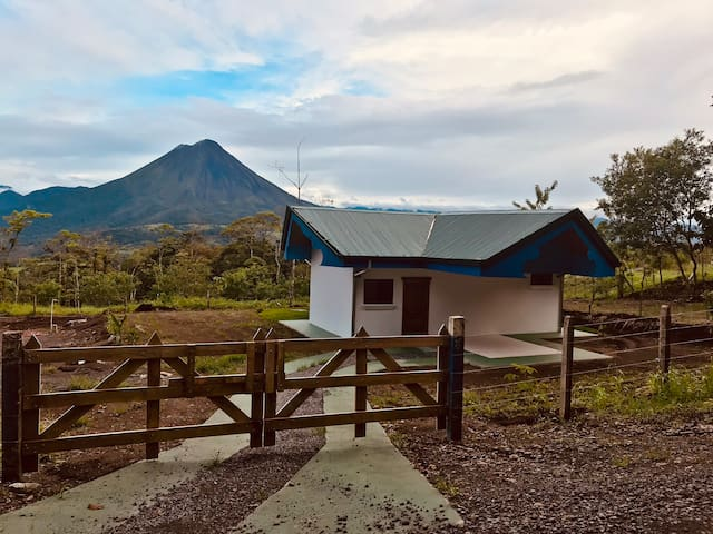 Essential Rain Forest with Arenal Volcano view!!