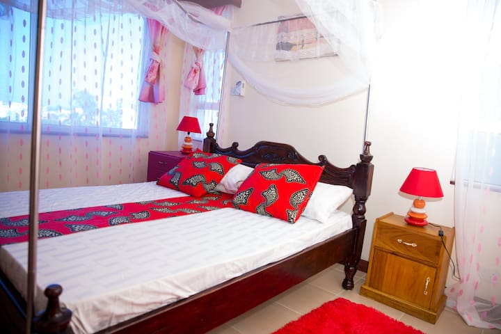 Private Ensuite Rooms inSafiriKenya Home Apartment