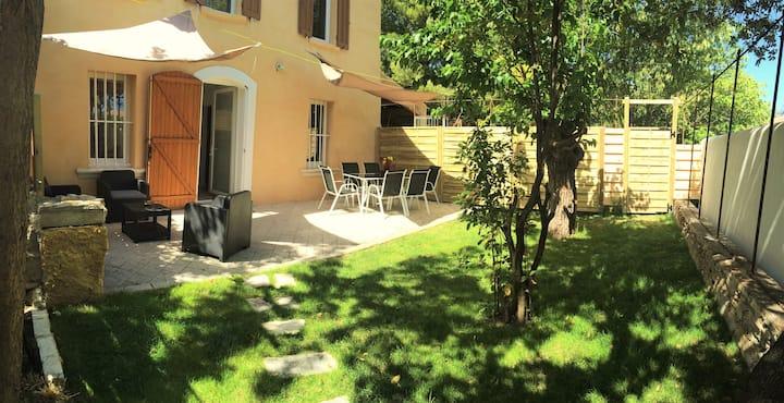 Maison provençale entre calanques et plages 100m2