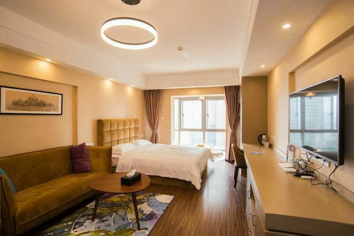 原·宿(长沙第一家城央民宿概念精装房,绝好江景,高档物业管理,安全舒适) - Changsha Shi - Appartement