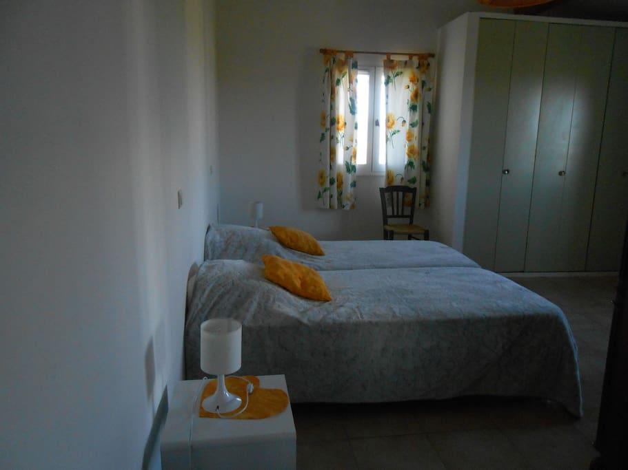 chambre 1 2 lits 90