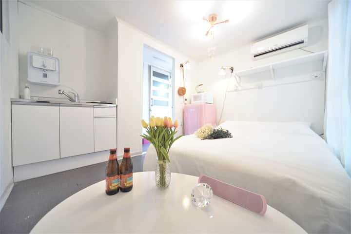 ★Helloworld Mint studio★Camping★Hongdae★New