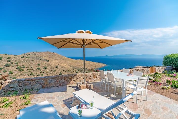 Luxury Apartment 2, Stunning Views at Thea Villas
