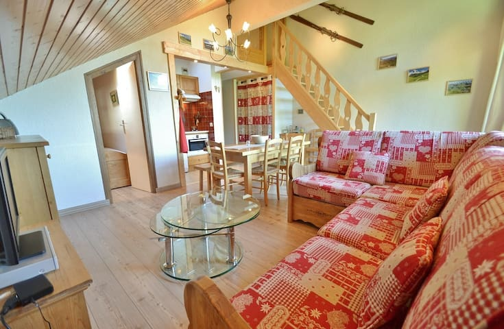 Cosy 3 bed duplex apt for 5 with stunning views!