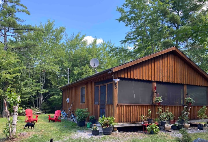 Lazy Lake Lodge