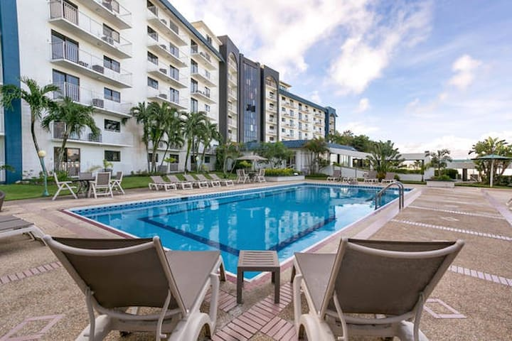 Oceanview Suites near Tumon Beach, Great Location - Tamuning - Condominium