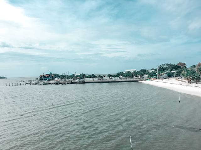 Best views in Cedar Key! 3 story TH on the gulf!