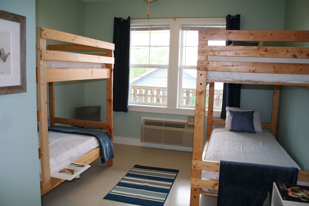 Private Room with 4 Bunk Beds & Private Bathroom