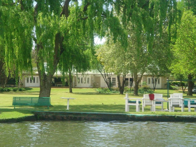 Vaal River House on the main river.