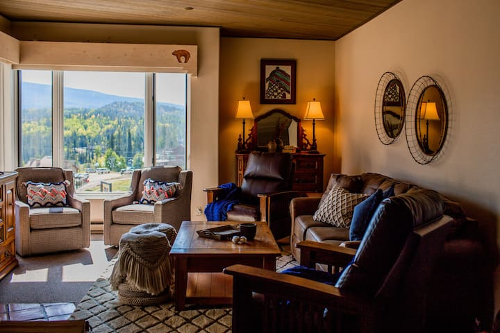 Breathtaking View 2-BR Purgatory Mountain