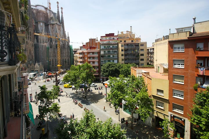 Sagrada Familia View monthly rental, Wifi, A/C