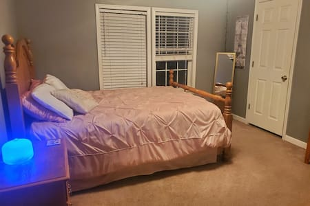 Comfortable Room in Kinston