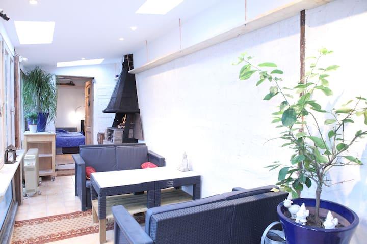 Appartement 2 piéces sur Jardin