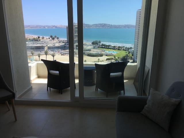 Vista al Mar, a pasos de playa y casino Enjoy.2D2B