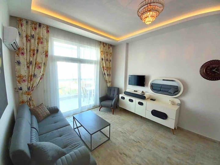 Новая квартира в новом доме в 100 метрах от моря!