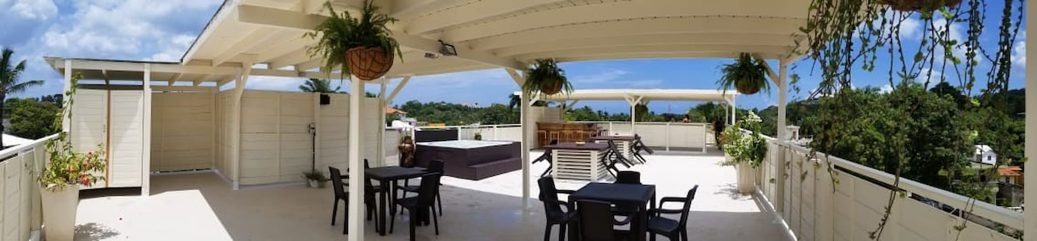 PANORAMIC TERRACE WITH JACUZZI AND BAR