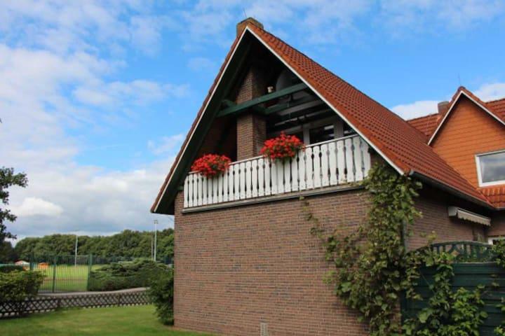 Schöne, große Wohnung nahe Nordsee - Friedeburg - Huoneisto