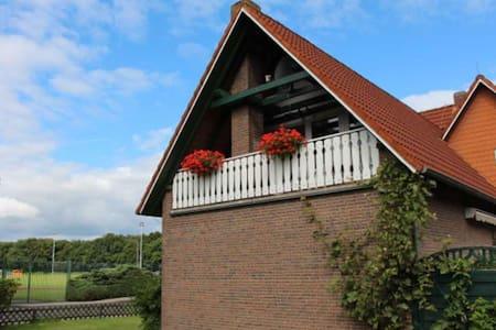 Schöne, große Wohnung nahe Nordsee - Friedeburg