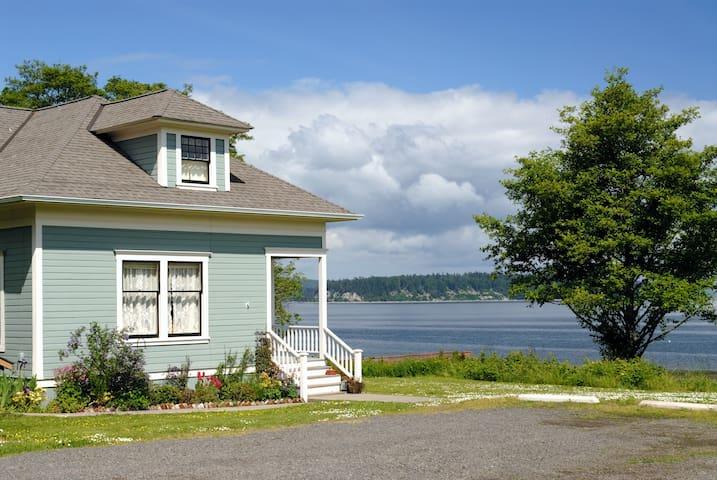 3BR Port Gamble Cottage w/ Puget Sound Views! - Poulsbo - Ház