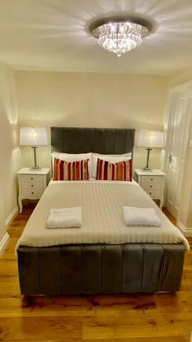 Beautiful En-suite Hyde Park/Paddington Room IV