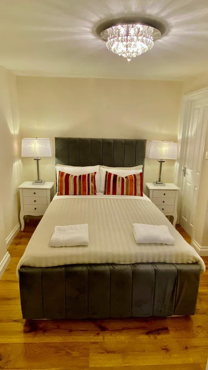 Beautiful En-suite Hyde Park/Paddington Room IV