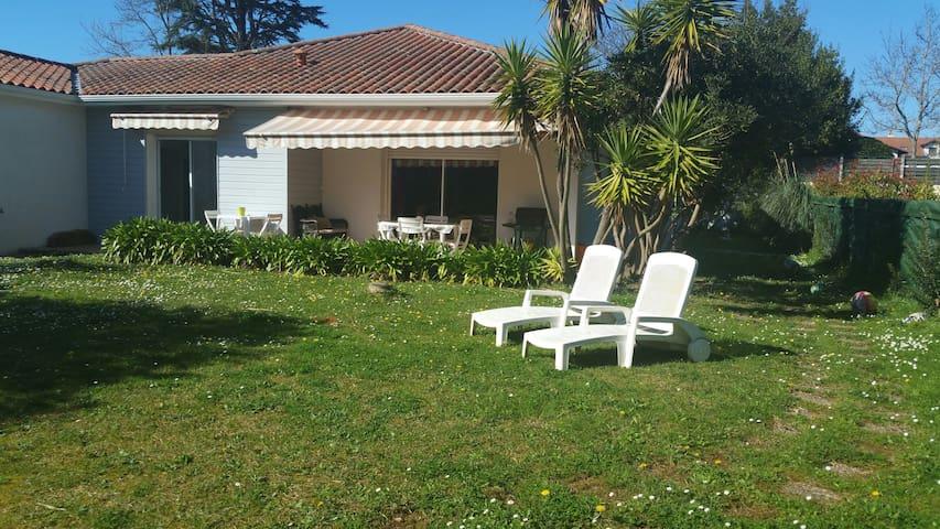 Villa de plain pied au calme - Biarritz - Casa