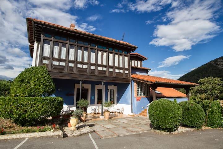 Hotel 'La Casona de Sobrepiedra - Cangas de Onís - Bed & Breakfast