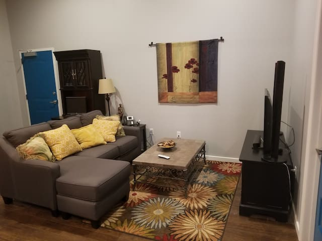 #2BR-1BA Loft Downtown KC in Historic Building