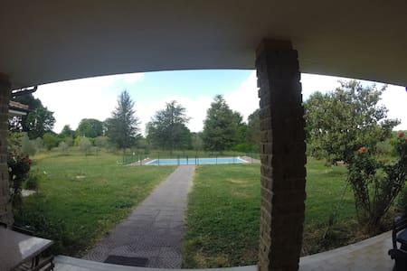 Grande villa avec grande piscne - Oriolo Romano - Casa