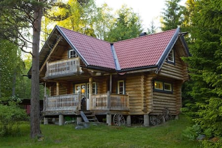Timbered cabin close to Stockholm