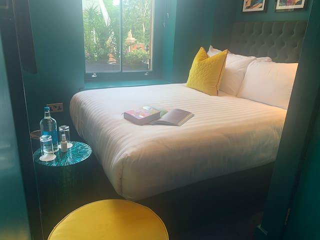 Petite Double Room in Boutique 4* Hotel Kensington