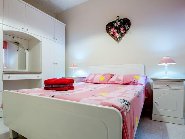 Bonne Vie Apartment - Munxar - Apartment