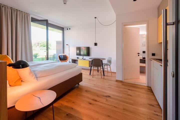 Sternen Bohlingen Aparthotel, (Singen), Apartment Zum Garten, 25 qm, 1 Wohn-/Schlafzimmer, Terrasse, max. 2 Personen