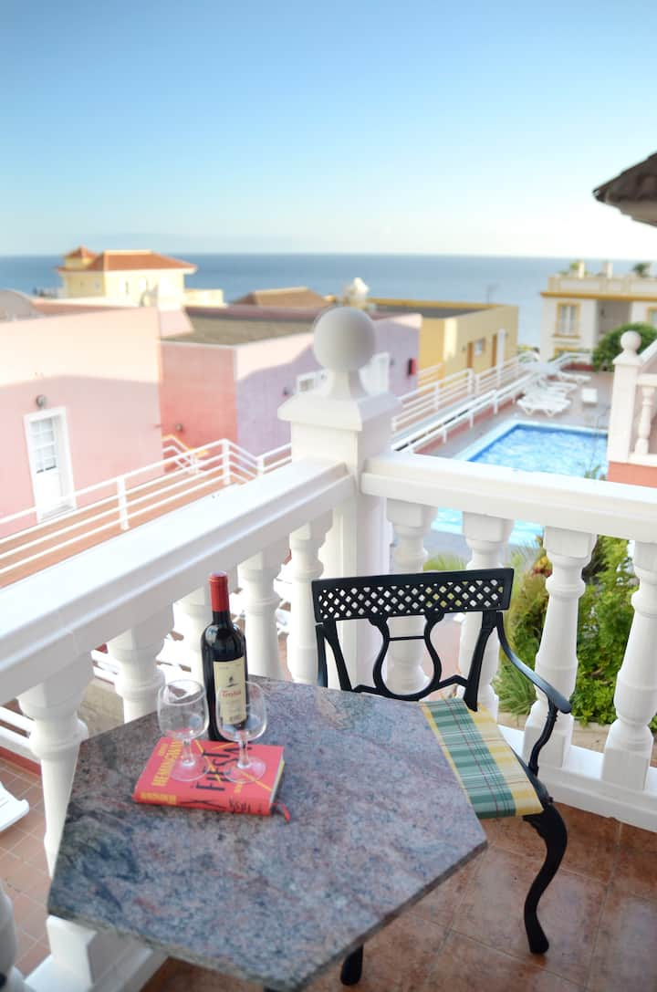 Island holidays with sea view and swimming pool