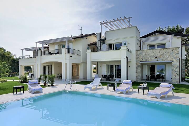 Terrazze affacciate sul lago di Garda - Sirmione - Apartamento